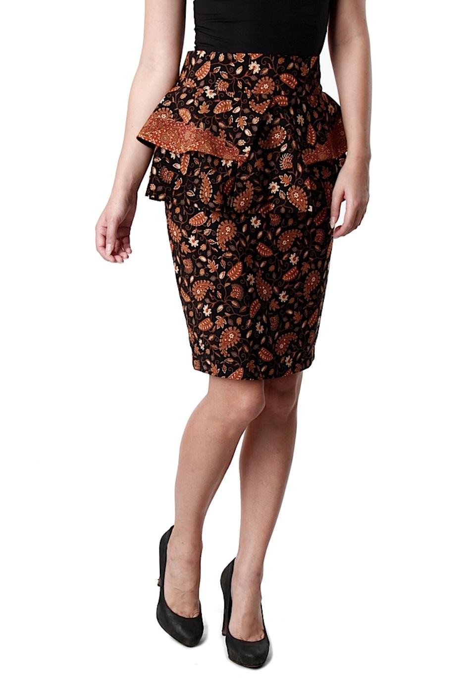 pertama rok batik . kamu bisa bikin rok batik pendek atau panjang ...